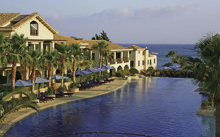 מלון במפרץ פיסורי, קפריסין | צילום: cyprushotelsshop.com