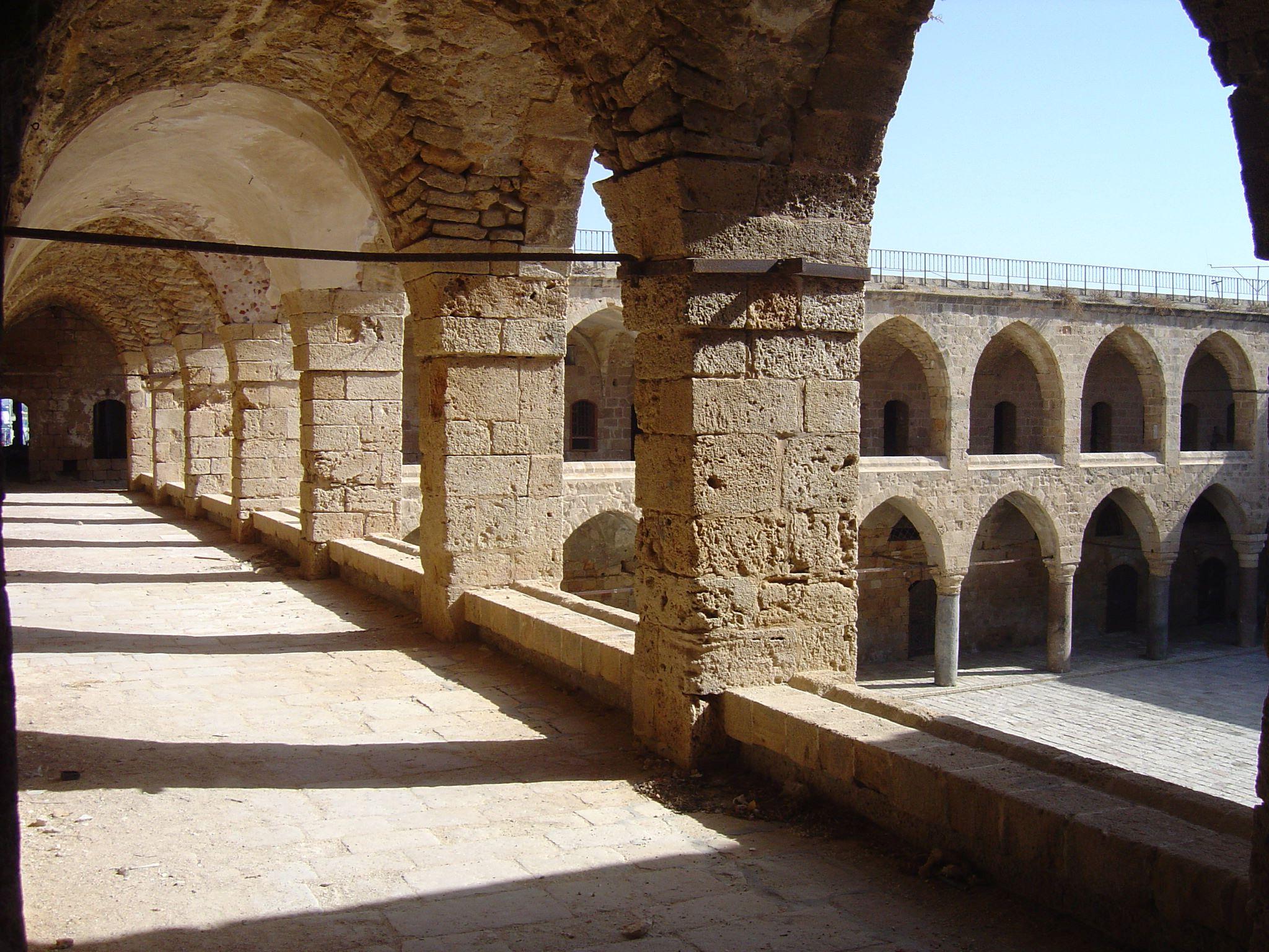 טקסט חאן אל-עמדאן|צילום: אלכס דבורק